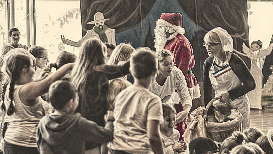 Noël de la Cantine Scolaire (19).jpg